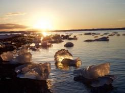 Blick über die Gletscherlagune am späten Nachmittag