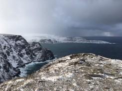 """Blick auf das """"echtere Nordkap"""": die Landzunge Knivskjellodden"""