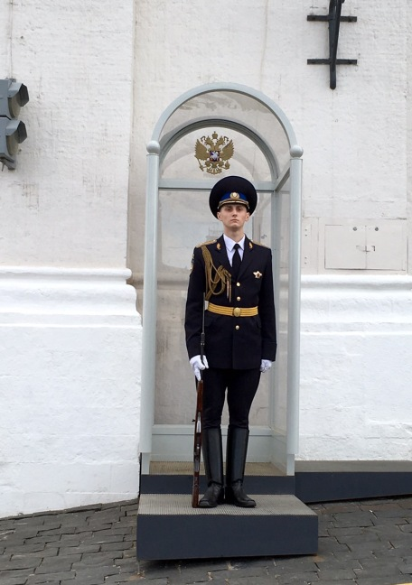 Wache am Ausgang Kreml
