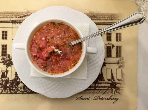 Borschtsch im Café Saint Petersburg