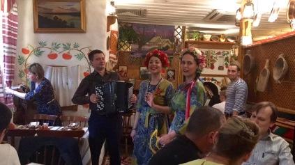 Gesang im ukrainischen Restaurant