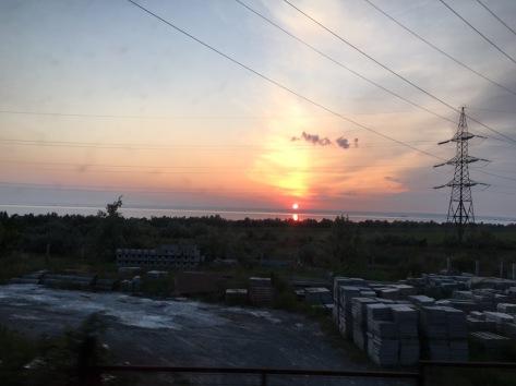 Sonnenaufgang während der Abschleppfahrt