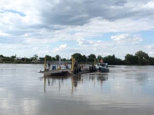 Autofähre im Donaudelta