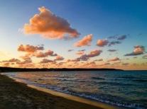 Schäfchenwolken bei Sonnenuntergang