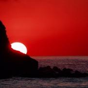 Blutroter Sonnenuntergang am Schwarzen Meer