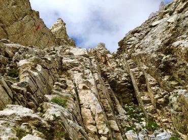steile Kletterwand unterhalb des Mytikas