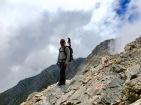 Da geht's steil bergab: Wegstück zwischen Mytikas und Skala