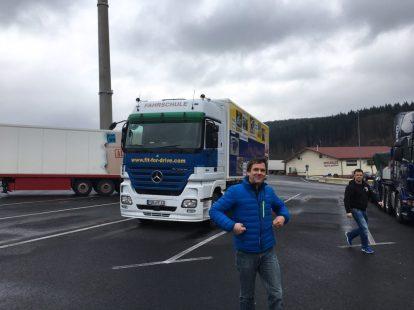 Fahrschule Opel: Unterricht im großen Actros