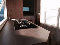 So sieht unsere fertige Küche aus :); mit dem neusten Model des Gaskochers von Thetford
