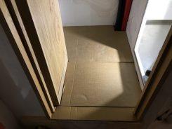 Vorbereitung Zwischenboden: erster Versuch mit Pappe