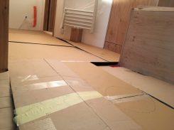 Vorbereitung Zwischenboden: erste Versuch mit Pappe