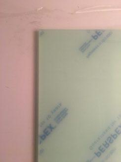 Unsere Duschtür aus 8mm dickem Plexiglas in Echtglasoptik (Gewicht: 7-8 kg)