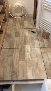 Beklebter Zwischenboden mit PVC und Rippenfilz um die Kanten
