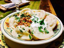 Litauische Küche: mit Fleisch gefüllte Dumplings