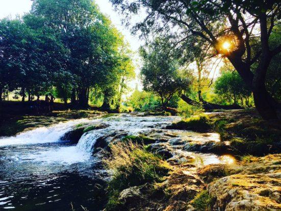 Badeplatz in der Nähe des Kravica-Wasserfalls