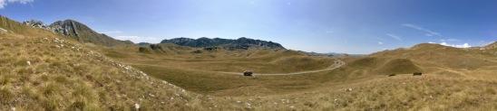 Benz im Durmitor-Nationalpark