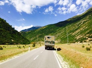 Schönes Albanien: hier bei Sarandë auf der SH99