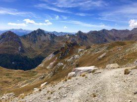 Wundervolle Gipfelkette um den Korab