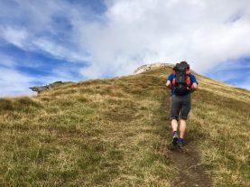 Die letzten Höhenmeter zum Gipfel Korab