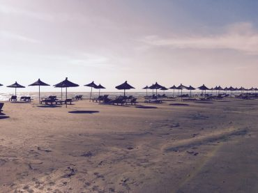Verlassene Strandbar in Albanien