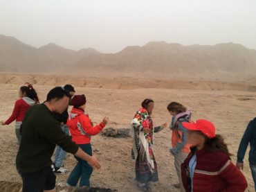 (verbotenes) Tanzen in der Wüste im Iran