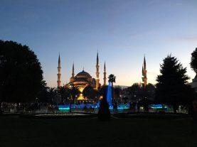 Blaue Moschee by night