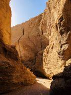 Das Regenwasser hat für zahlreiche Einschnitte und Kamine im Jenni-Canyon gesorgt