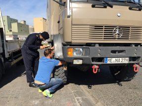 Überprüfung für Inspektion Report: Alex errät gerade die Fahrgestellnummer