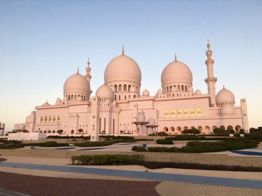 Sheikh Zayed Moschee - die größte Moschee der V.A.E.