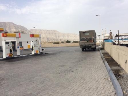 Wasserholen im Oman