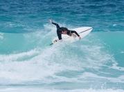 Surfer am Strand von Jumeirah Pearl