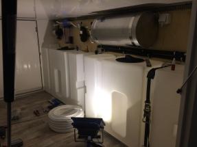 Wassertanks unter dem Bett