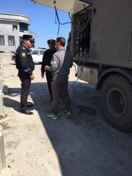 Wassertanken bei der Polizei nahe Baku