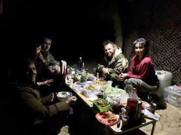 Unsere kasachischen Gastgeber: 2x Olga, Slava (hinten links) und Anton