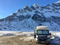 Unser Schlafzimmer vor dem Col de Aravis. Leider nicht genügend Schnee für eine Skitour…..