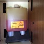 Fuso - Ausgleichsbehälter im Schrank