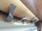 Fuso - Kabelführung hinter der Verkleidung im Heck