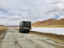 Samir Highway - viel Nichts, aber dafür schön bunt