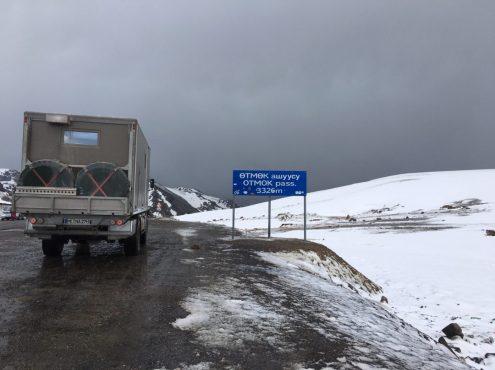 Otmok Pass (3.326 hm) auf dem Weg nach Bishkek