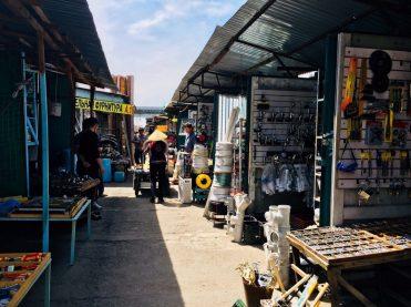Im Baumarkt in Bishkek