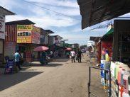 Auf dem Car Bazar in Bishkek