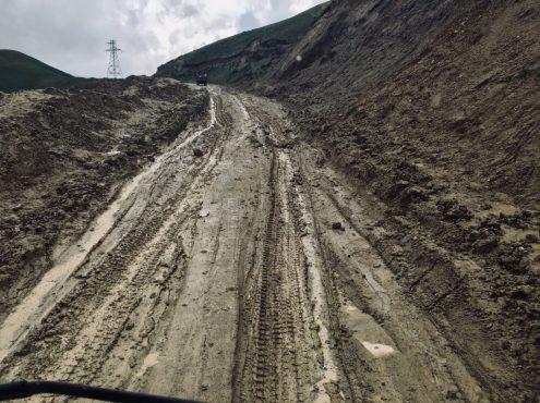 Matschpiste in Zentralkirgisistan