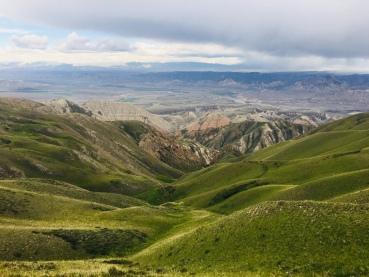 Ausblick von einem der vielen Pässe in Zentralkirgisistan
