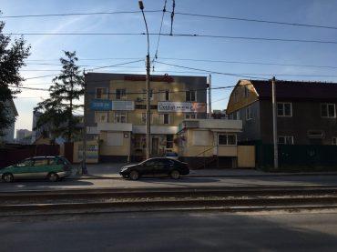 Wäscherei in Nowosibirsk: genug Parkmöglichkeiten auch für große Trucks vorhanden
