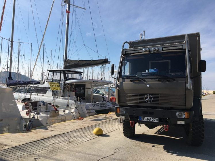 Umzug vom Benz aufs Boot