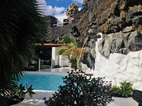 Fundación César Manrique: Lavagarten mit Pool