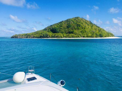 Petit St. Vincent: die südlichste Insel, die zu St. Vincent und die Grenadinen gehört. Sie ist von zwei Meilen weißen Sandstrand umgeben und beherbergt lediglich ein ökofreundliches Luxusresort mitten im tropischen Wald.