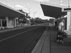 gespenstische Stille: nicht ein Fahrzeug auf der Straße...