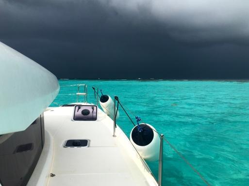Tobago Cays - Regenfront: die Farben sind fantastisch