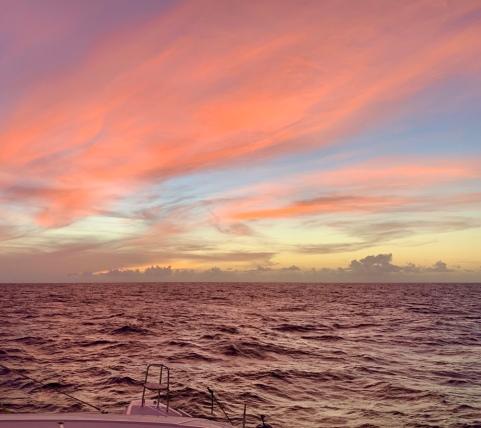 Herrlicher Abendhimmel und ruhige See in den ersten 2 Tagen